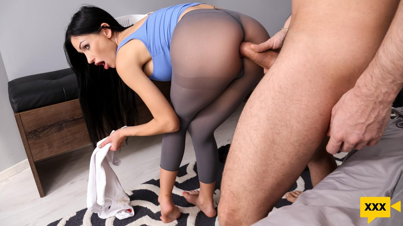 [18+] Brazzers Exxtra – Sasha Rose: Roommates With Anal Benefits (2020) FULLHD 272MB