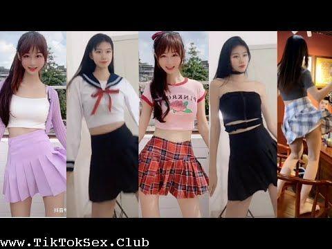 [Image: 171660234_0154_at_pretty_girls_around_th..._music.jpg]