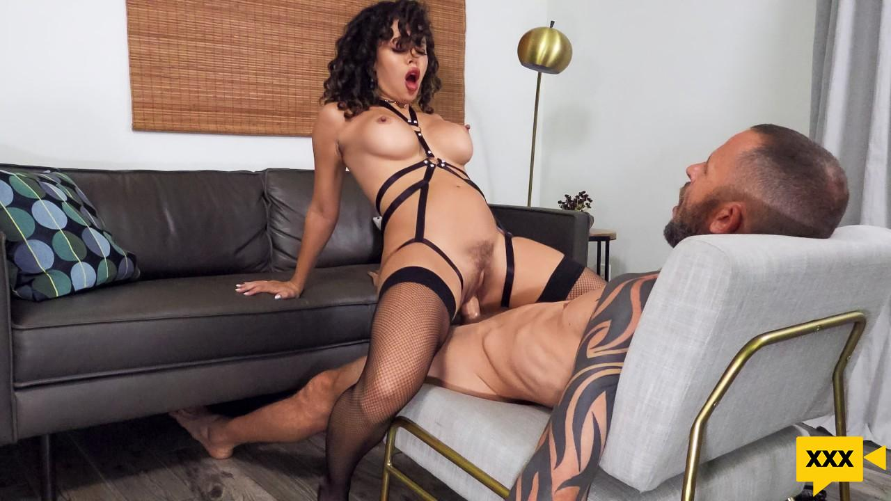 [18+] Brazzers Exxtra – Kataljna Kittin: Squirting On My Prisoner (2020) FULLHD 364MB
