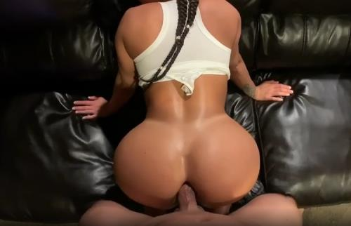 Pornhub - yinyleon - Real Amateur Anal Fuck in the Living Room (HD/720p/140 MB)