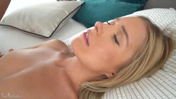 Pure Mature Angelika Grays – Wet